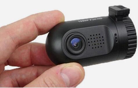 Profesionální kamera do auta 3Mpix ( čip A7 ) černá skříňka HUTERMANN 8030GPS